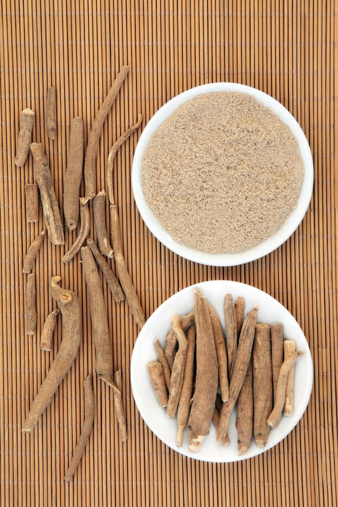 Ashwagandha Root & Powder on Table